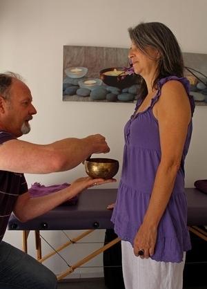 energescence sonotherapie séance bol debout